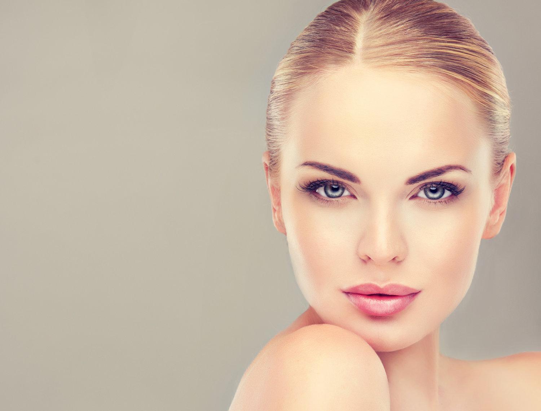 صورت یک زن نمادین و لیزر شده - عوارض لیزر موهای زائد صورت